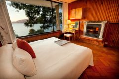 Chile_Pucon_Hotel_Antumalal_guestroom-1