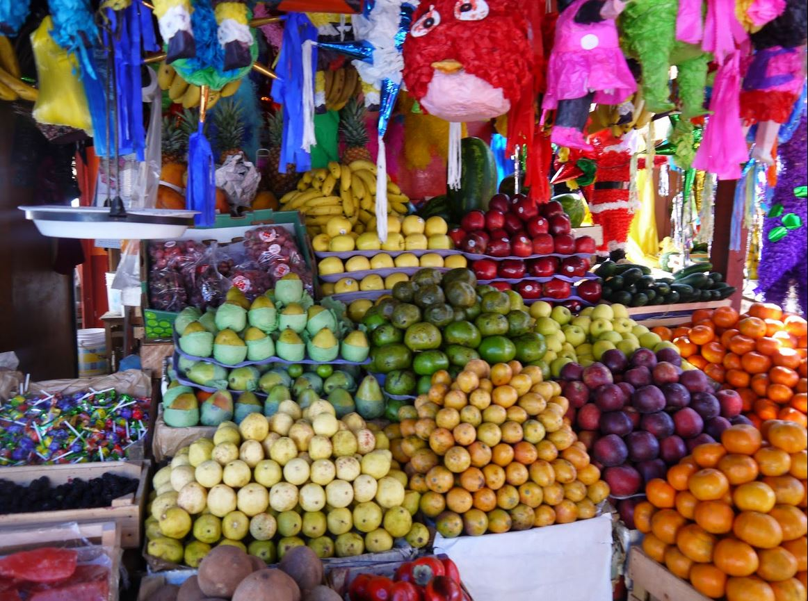 MEX_Mexican Market Quiroga Adrian Yekkes_Fruit Stall_Free with Credit