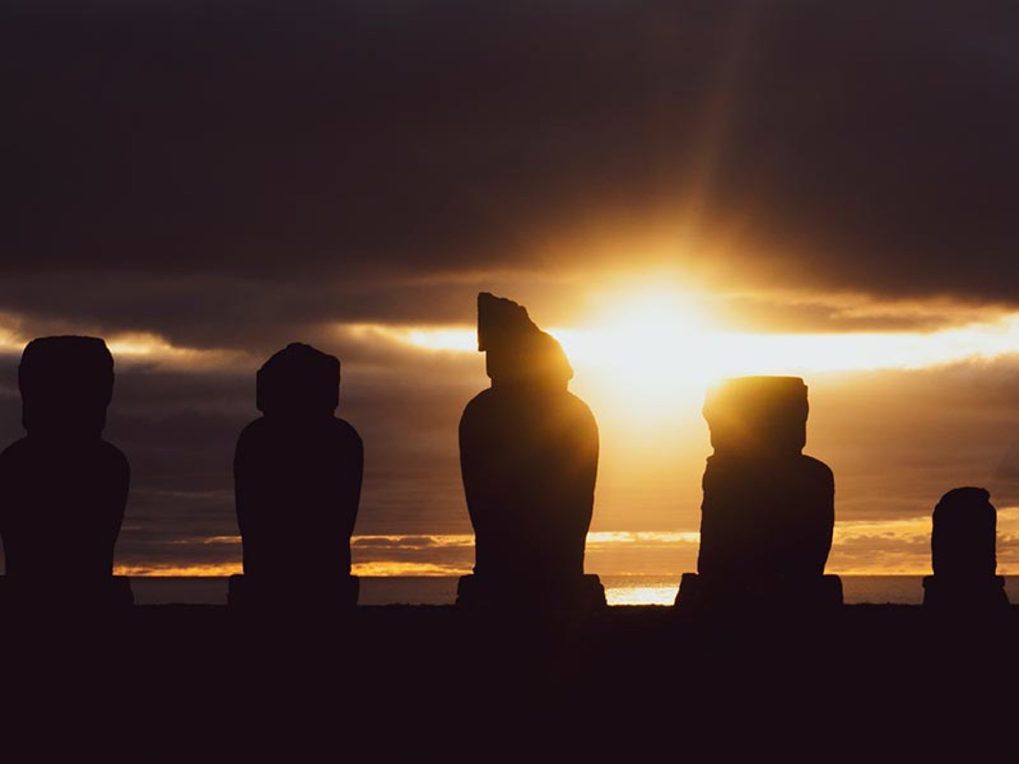 CHI-easter-island-sunset-ltb-free