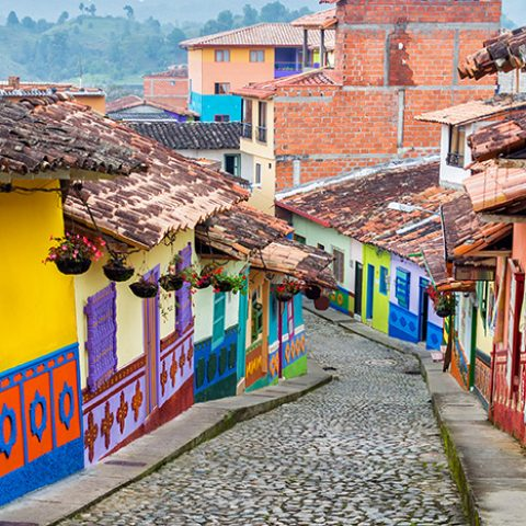 COL_GuatapeStreetCrop_shutterstock187244789_freewithcredit