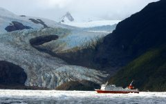 chi09-cruise-the-far-southern-fjords-free-skorpios